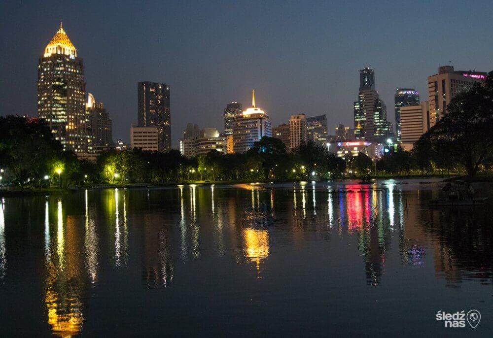 Bangkok nocą - Lumpini Park