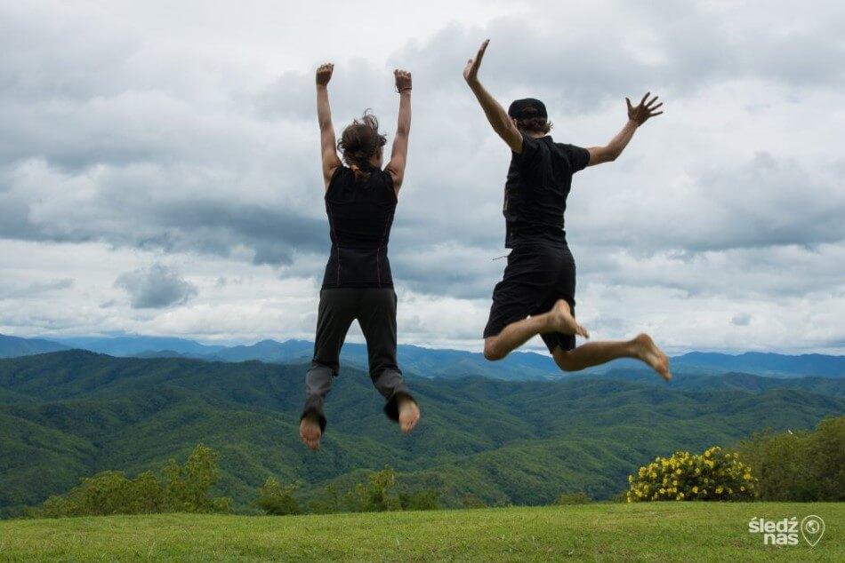 Śledź Nas w Parku Si Nan w Północnej Tajlandii