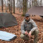 Namiot turystyczny, płachta biwakowa czy tarp? Jakie schronienie wybrać na wędrówkę – Poradnik